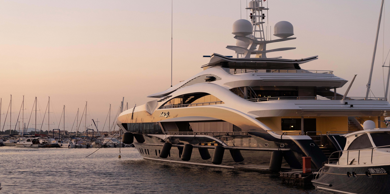 yacht 2309-1